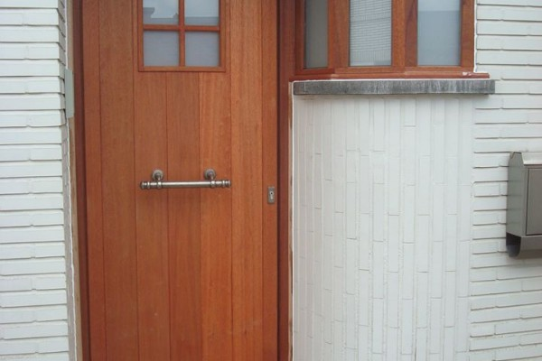 Omnisolutions - voordeur hout met zijlicht